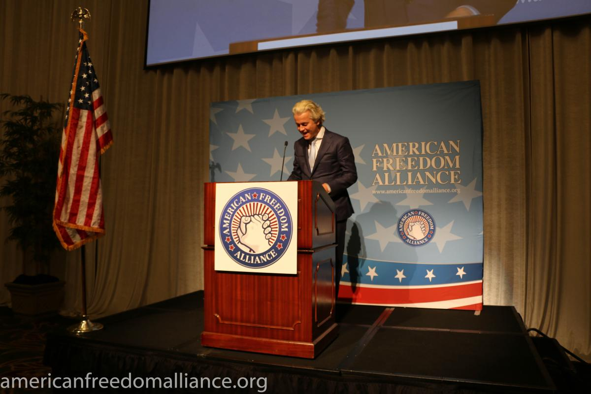 geert_wilders_at_the_podium2