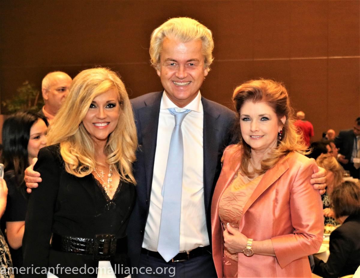geert_with_ann-marie_and_morgan_brittany