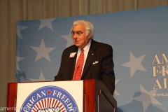 gary_at_the_podium